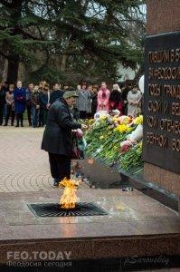 В Феодосии почтили память жертв трагедии в Кемерове #7639