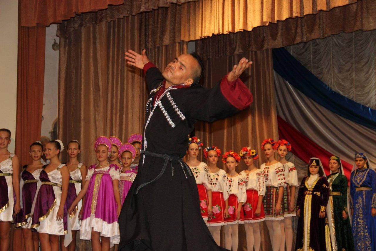 Фото торжественного мероприятия ко Дню герба и флага Республики Крым #4285