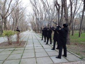 Фото митинга в честь погибших в Афганистане феодосийцев #6390