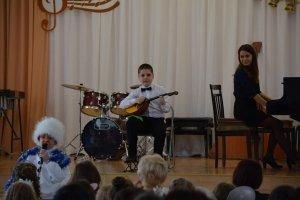 Фото новогоднего концерта в музыкальной школе №1 Феодосии #6365