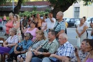 Фото выступления Александра Пяткова на Привокзальной площади Феодосии #3499