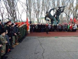 Фото митинга в честь Керченско-Феодосийского десанта в Феодосии #6450