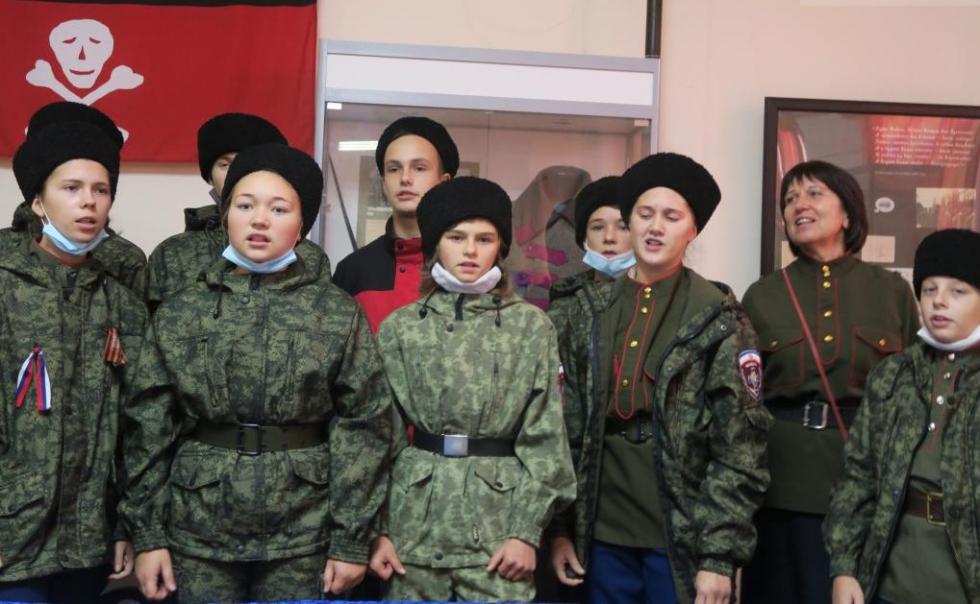 В Феодосии установили памятную доску 100-летия Русского Исхода #15400