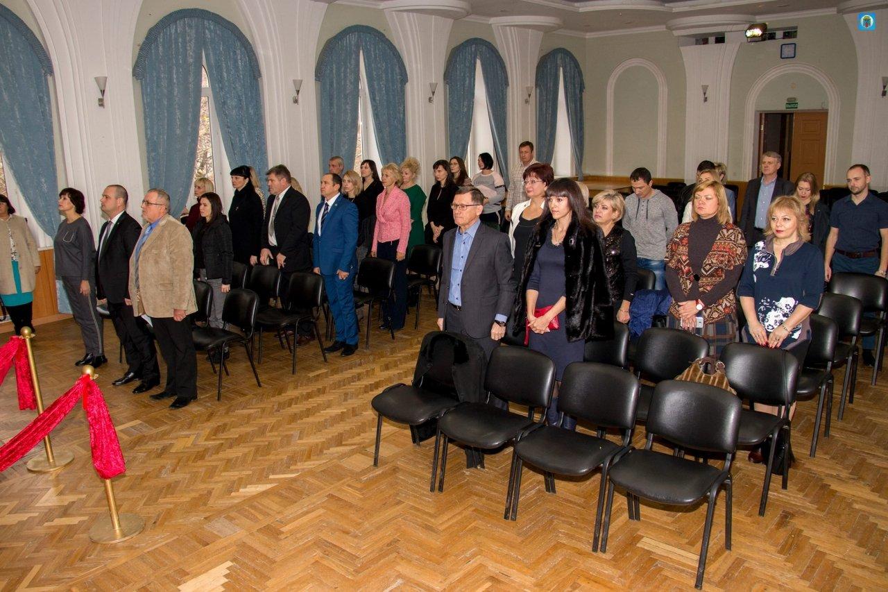 Фото награждения лучших предпринимателей Феодосии #5821