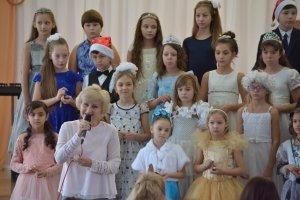 Фото новогоднего концерта в музыкальной школе №1 Феодосии #6376