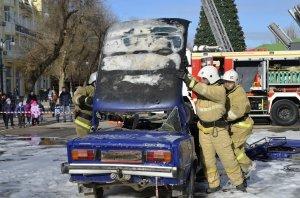 Фото показательных выступлений и техники МЧС в Феодосии #6413