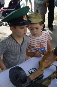 Фото праздника в честь зеленой фуражки в Феодосии #119