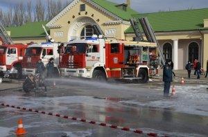 Фото показательных выступлений и техники МЧС в Феодосии #6417