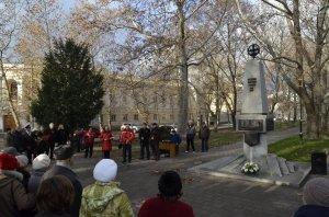 Фото митинга в честь Дня Героев Отечества в Феодосии #6223