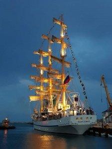 Фото парусника «Херсонес» в Феодосии #1204