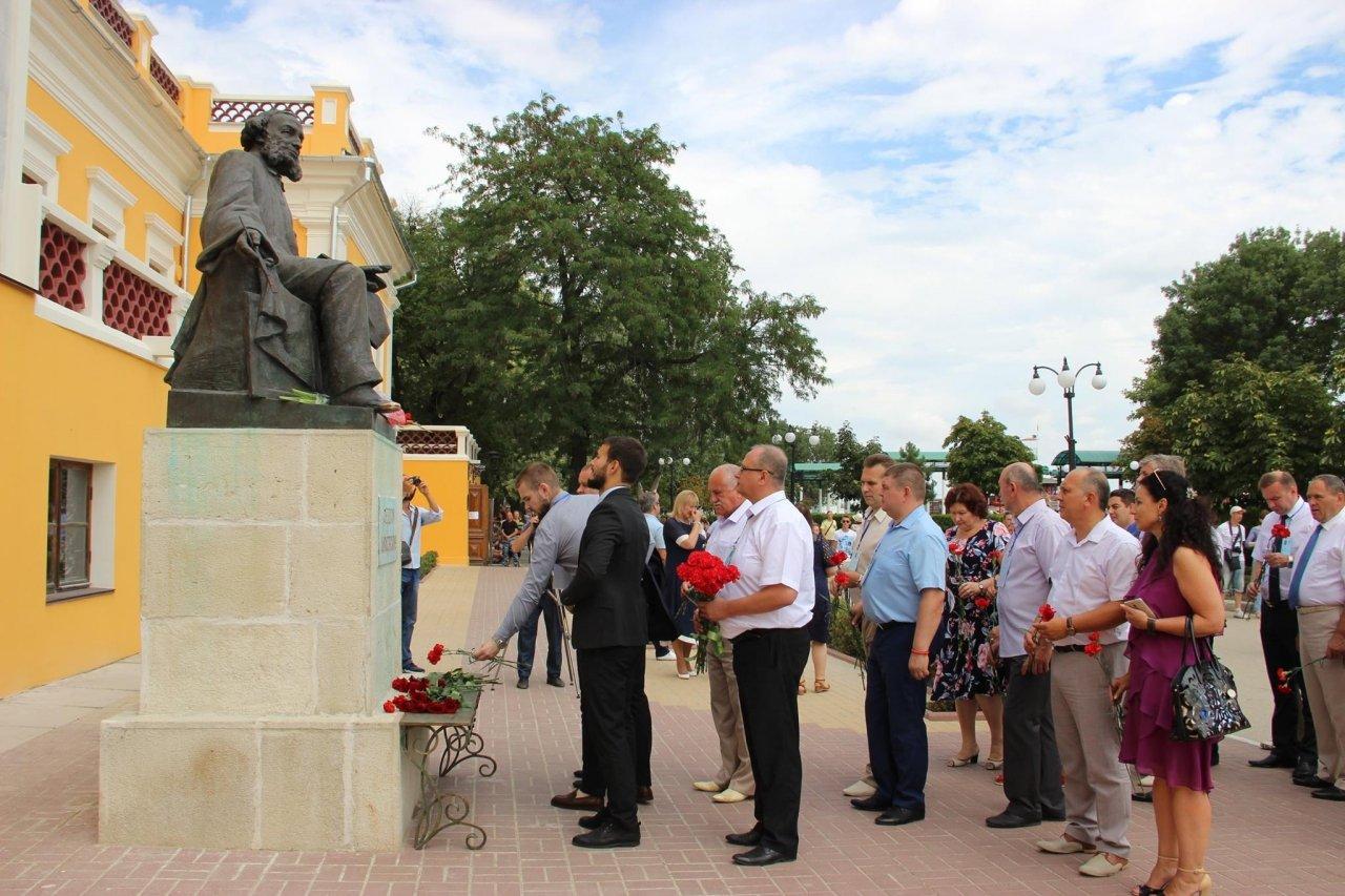 Фото почетных гостей на День города и юбилей Айвазовского в Феодосии #1132