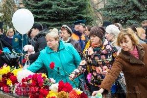 В Феодосии почтили память жертв трагедии в Кемерове #7627