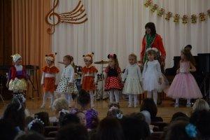 Фото новогоднего концерта в музыкальной школе №1 Феодосии #6373