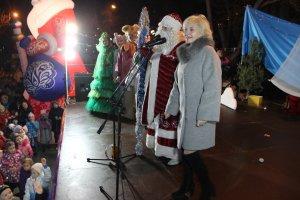 В Феодосии открыли главную городскую елку #15206