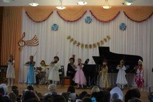 Фото новогоднего концерта в музыкальной школе №1 Феодосии #6355