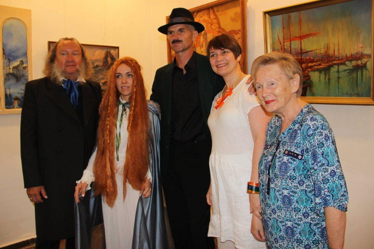 Фото открытия выставки «Море и любовь не терпят педантов» в Феодосии #1147