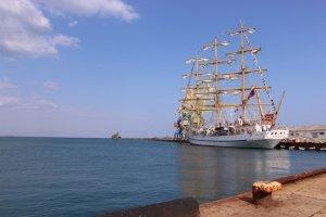 Фото парусного судна «Херсонес» в Феодосии #1194