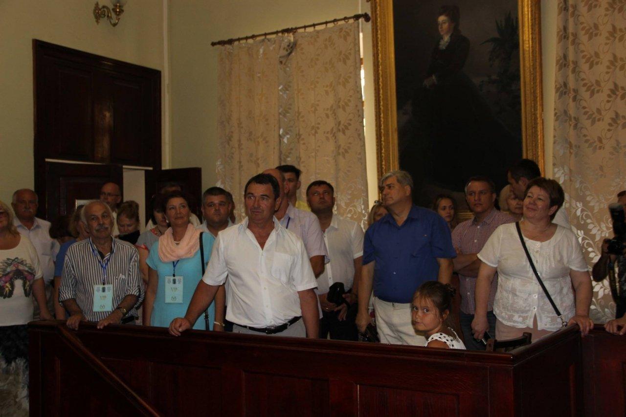 Фото почетных гостей на День города и юбилей Айвазовского в Феодосии #1126