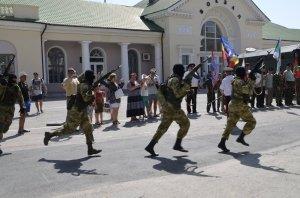 Фото праздника в честь зеленой фуражки в Феодосии #128