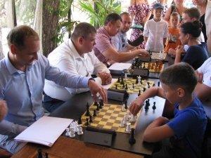 Фото шахматного турнира в Феодосии #3376