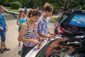 Фото автопробега и конкурс рисунков на авто в День города #1366