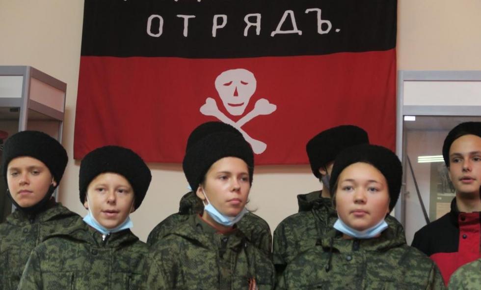 В Феодосии установили памятную доску 100-летия Русского Исхода #15415