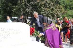 Фото визита Аксенова и потомков Айвазовского в Феодосию #949