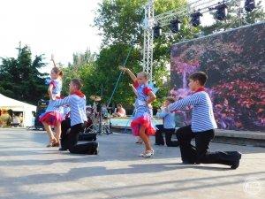 Фото выступления клуба БРАВО на День города в Феодосии #1624