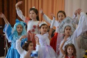 Фото новогоднего концерта в музыкальной школе №1 Феодосии #6358