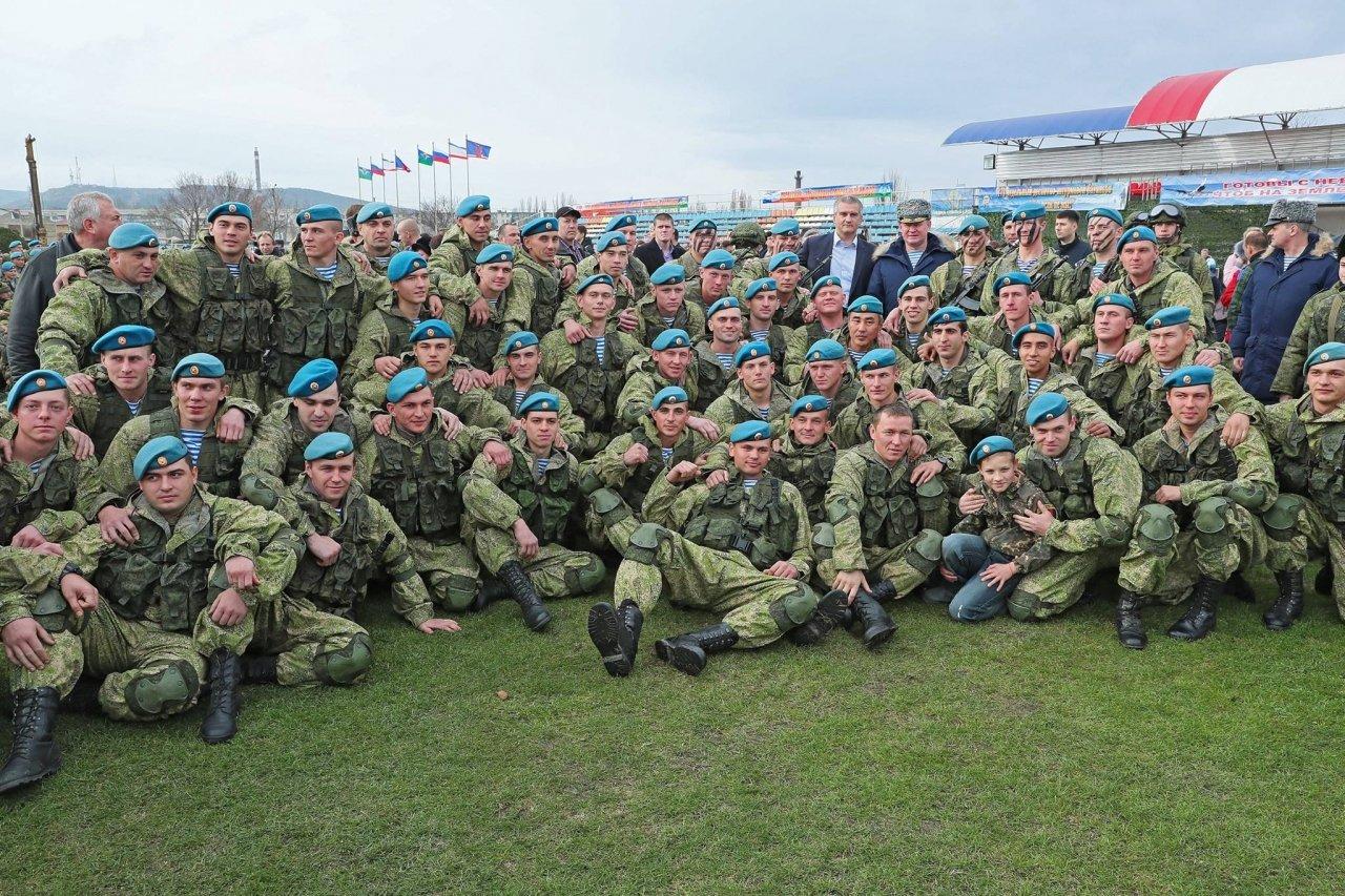 Фото торжественного открытия десантного батальона в Феодосии #5954