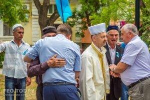 В Феодосии почтили память жертв депортации крымских татар #10880