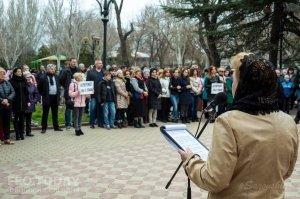 В Феодосии почтили память жертв трагедии в Кемерове #7636