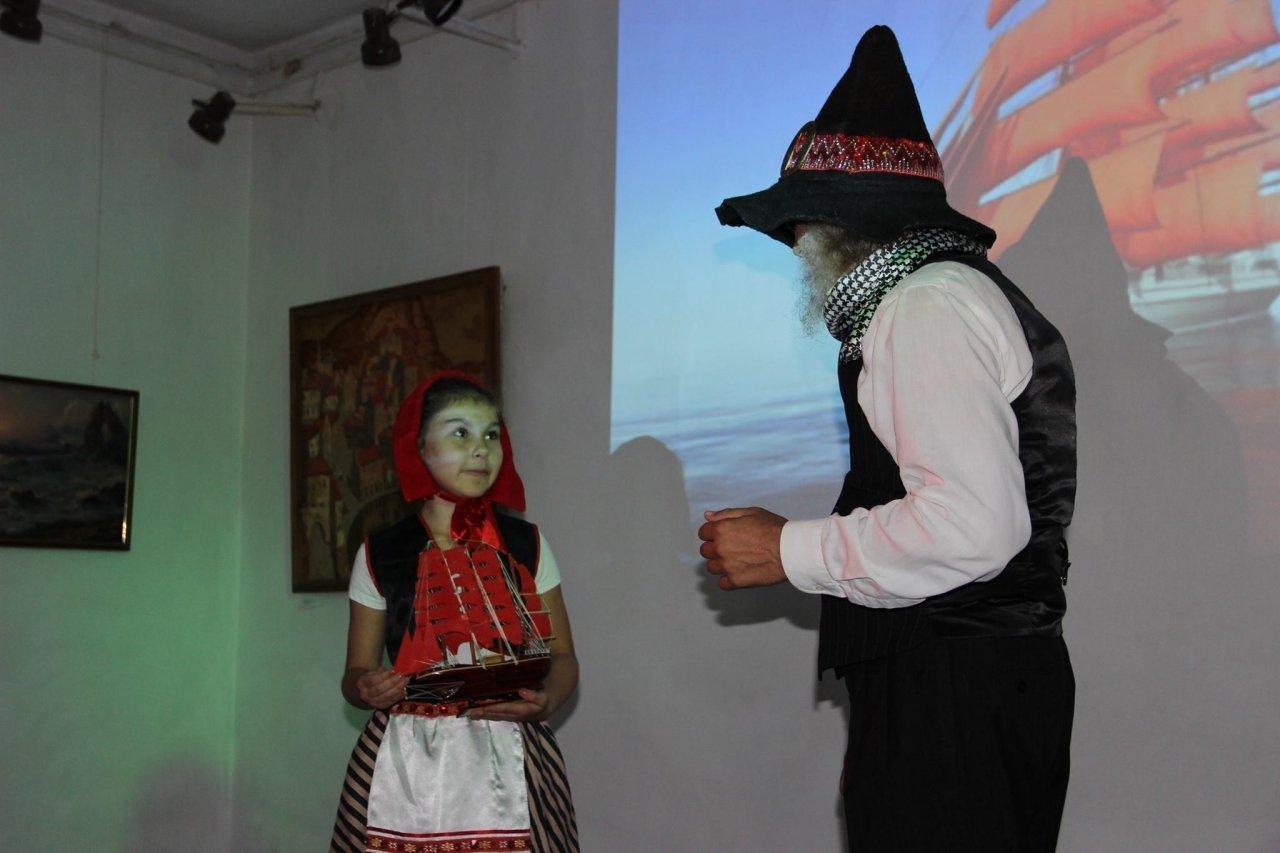 Фото открытия выставки «Море и любовь не терпят педантов» в Феодосии #1141