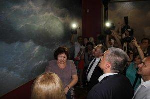 Фото визита Аксенова и потомков Айвазовского в Феодосию #946