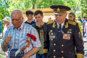 Феодосийский политех поздравил ветеранов с Победой #9715