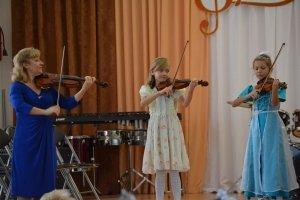 Фото новогоднего концерта в музыкальной школе №1 Феодосии #6354