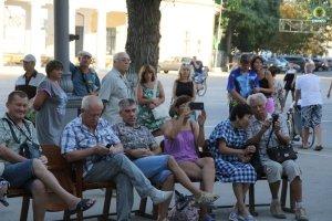 Фото выступления Александра Пяткова на Привокзальной площади Феодосии #3510