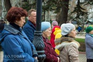 В Феодосии почтили память жертв трагедии в Кемерове #7646