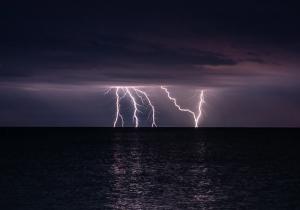 Молния в Феодосии #15458