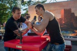 Фото турнира по армрестлингу в Феодосии #1302