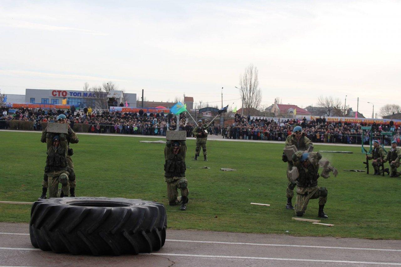 Фото торжественного открытия десантного батальона в Феодосии #5950