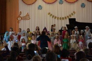 Фото новогоднего концерта в музыкальной школе №1 Феодосии #6359