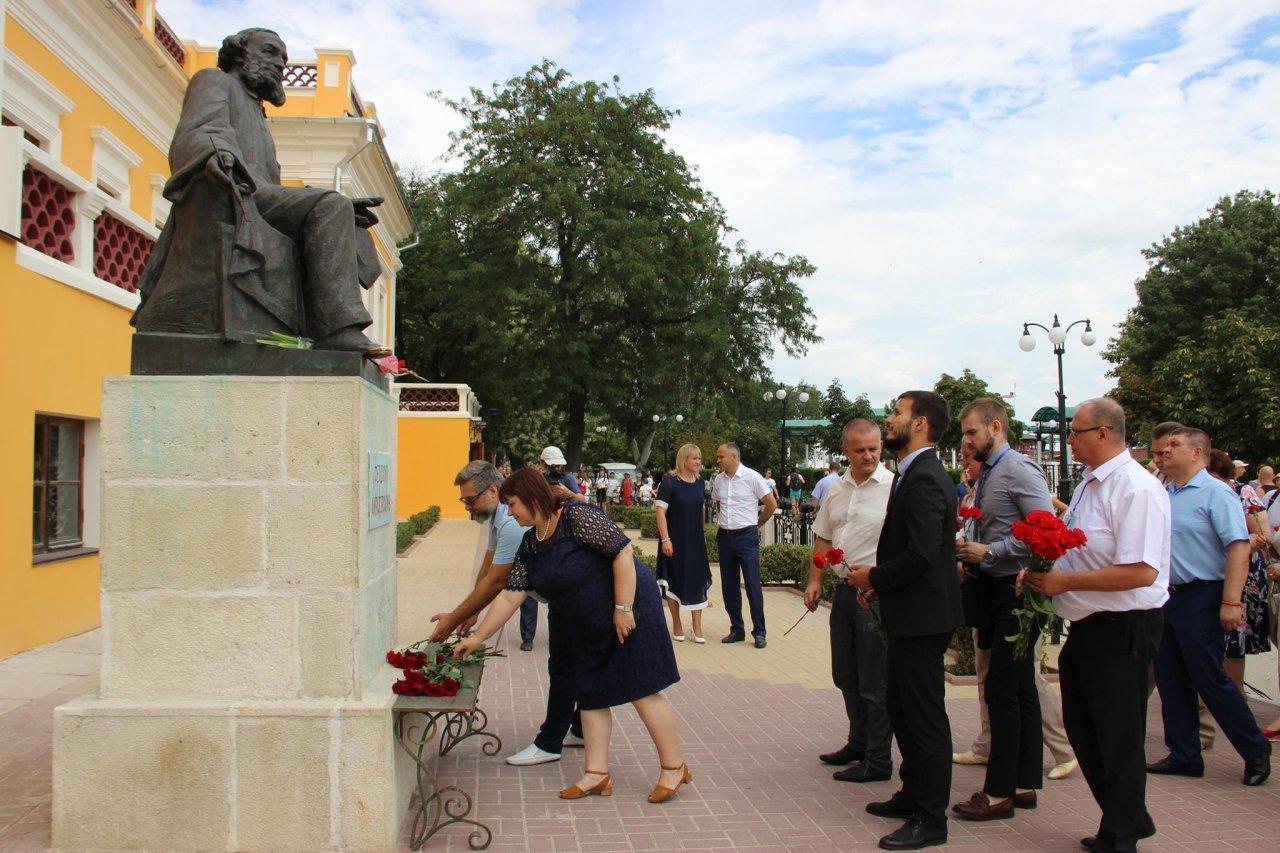 Фото почетных гостей на День города и юбилей Айвазовского в Феодосии #1133