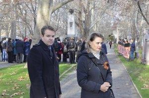 Фото митинга в честь Дня Героев Отечества в Феодосии #6218