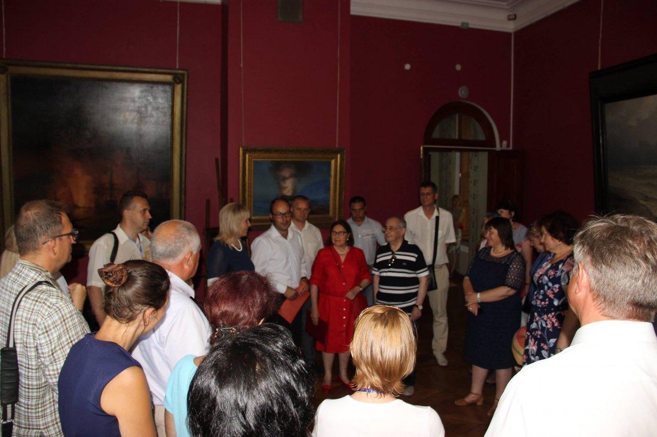 Фото почетных гостей на День города и юбилей Айвазовского в Феодосии #1119