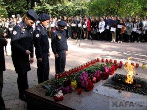 Феодосийцы почтили память жертв трагедии в керчи #14344