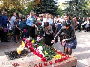 Феодосийцы почтили память жертв трагедии в керчи #14353