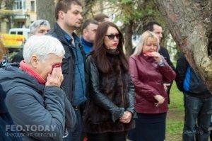 В Феодосии почтили память жертв трагедии в Кемерове #7644