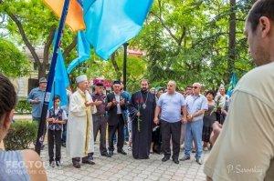 В Феодосии почтили память жертв депортации крымских татар #10870