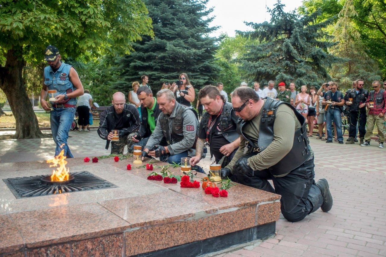 Ночные ВОЛКИ в Феодосии. Фото автомотопробега «Дорогами Победы» #2752